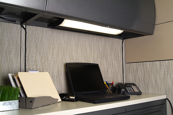 Luxo Solaris Undercabinet Task Light